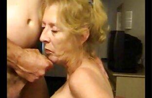 Elle regarde sa tukif video porno gratuite mère et son petit ami baiser