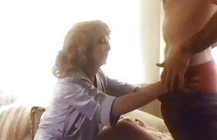 Interraced.com Une video porno gasy gratuit mignonne brune se fait défoncer le trou du cul rose